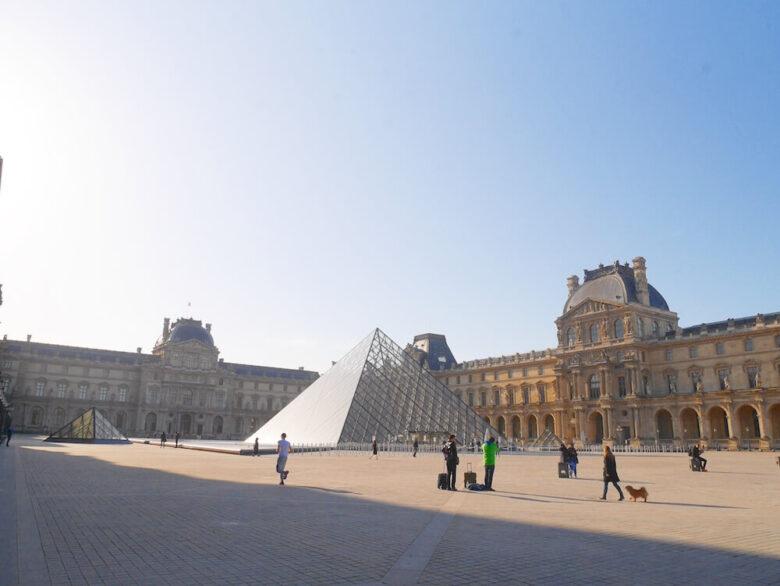 パリ旅行で行きたい定番スポット:ルーヴル美術館
