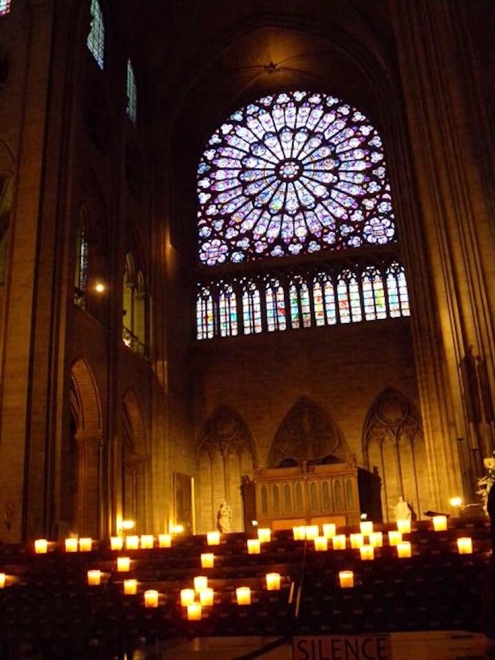 パリ旅行で行きたい定番スポット:ノートルダムの薔薇窓