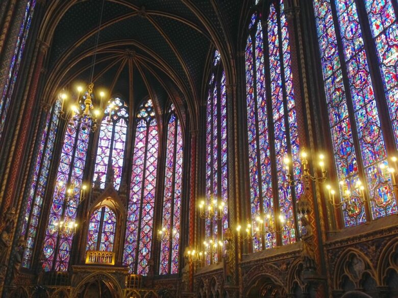 パリ旅行で行きたい定番スポット:サント・シャペル