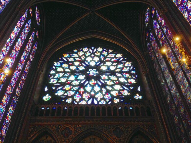 パリ旅行で行きたい定番スポット:サント・シャペルの薔薇窓