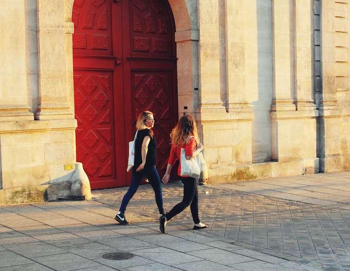パリの夏の服装