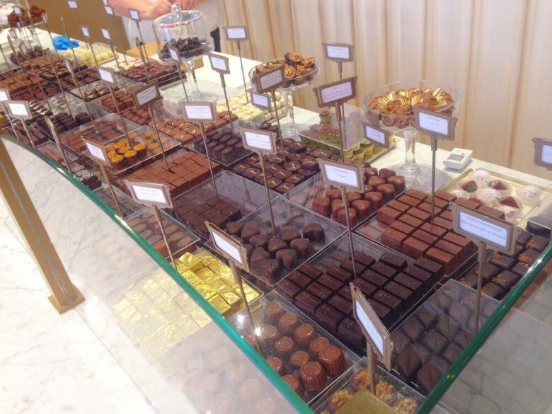 Maryの店内に並ぶチョコレート